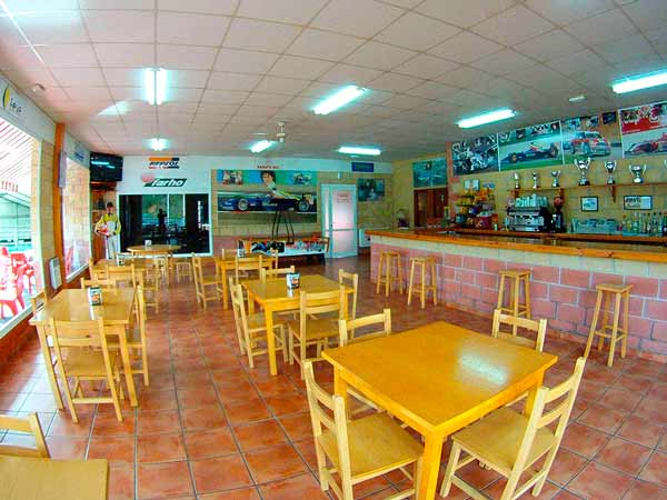 Instalaciones Karting Soto Dueñas, Bar cafetería