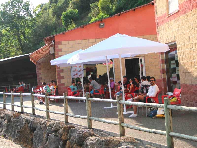 Bar cafetería terraza del Karing Soto de Dueñas